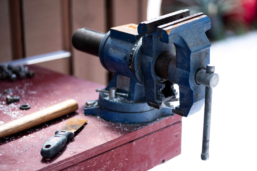 bench vice use